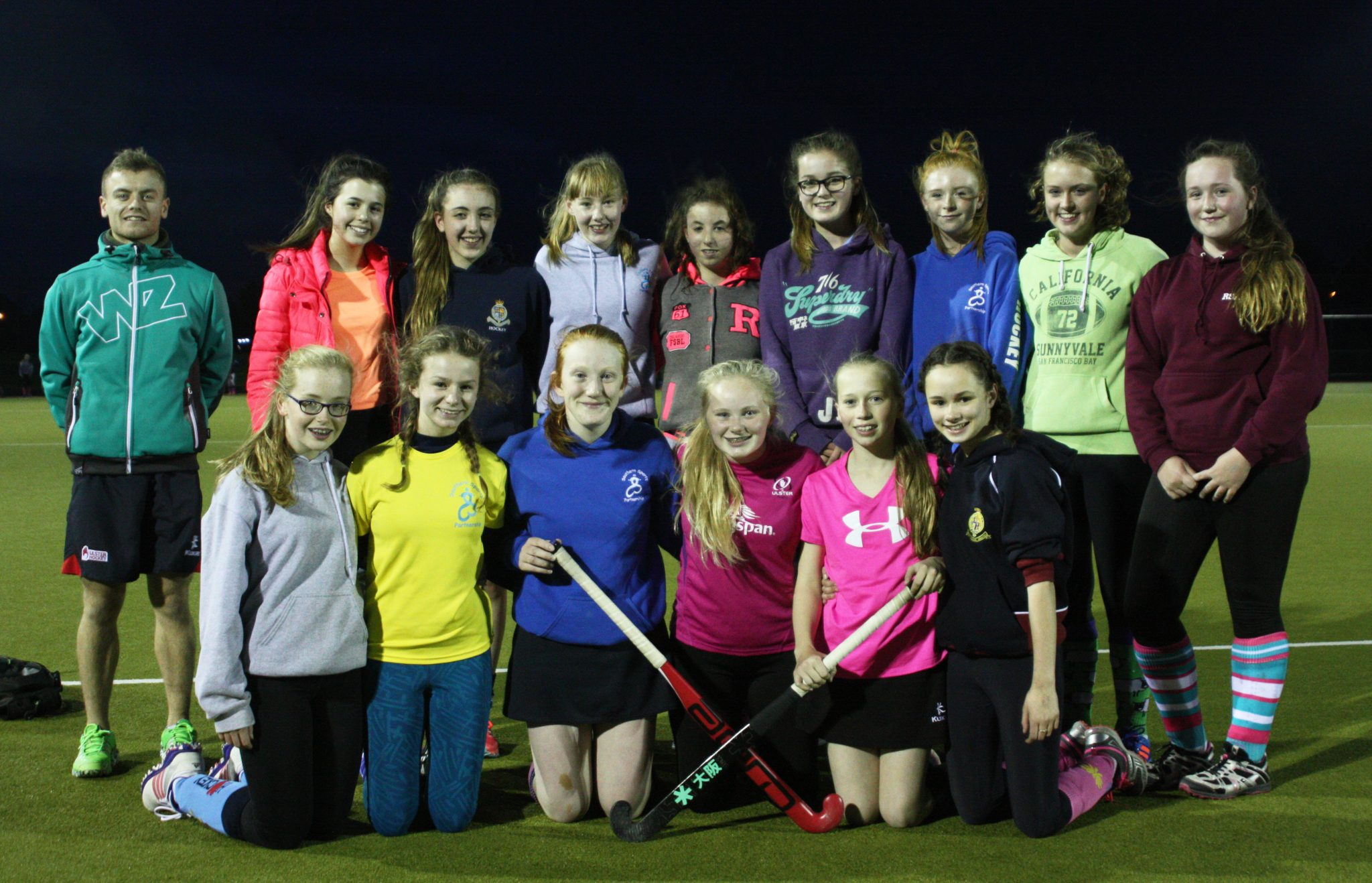 u15s-girls-training-coach